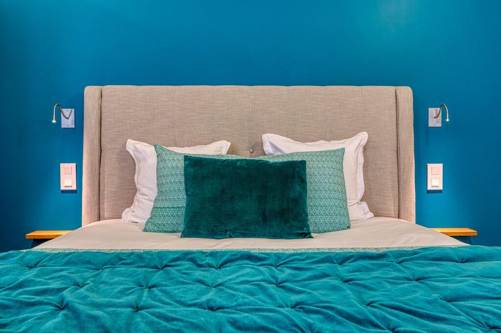 Pillow In Between Your Legs For Pain Relief